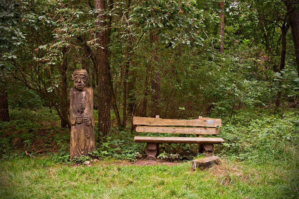 Die Holzskulpturen gehören zu einem integrativen Projekt.