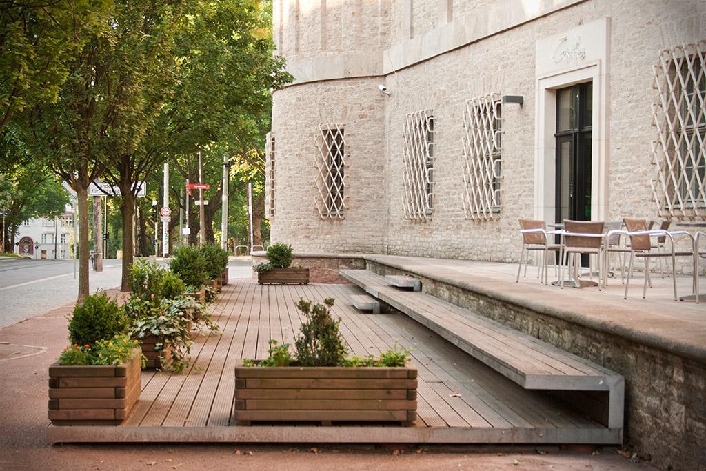 Gleich neben dem Seiteneingang befindet sich das Museumscafé.