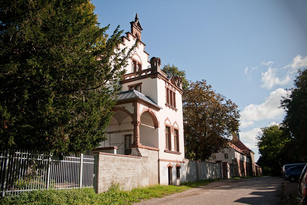 Das Passendorfer Schlösschen wird zu einem Wohnkomplex umgebaut.